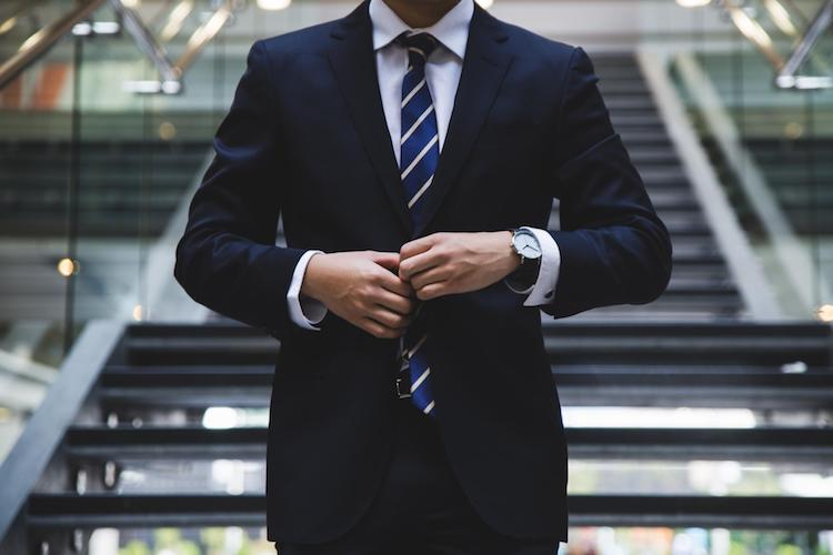 post-interview-follow-up-tips for veterans